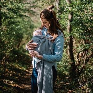 Apprendre à porter son bébé dans le Tarn