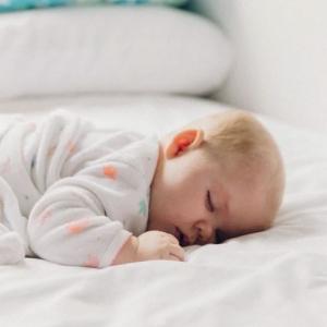 Cours de réfléxologie plantaire pour bébé